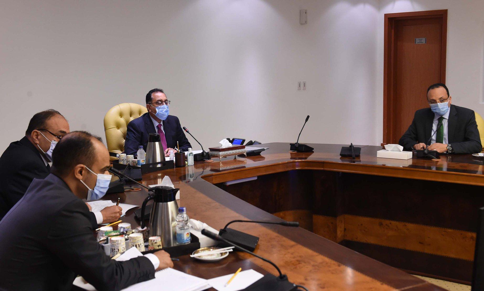 رئيس الوزراء : الدولة تمضي قدما في تطوير شركات قطاع الأعمال العام
