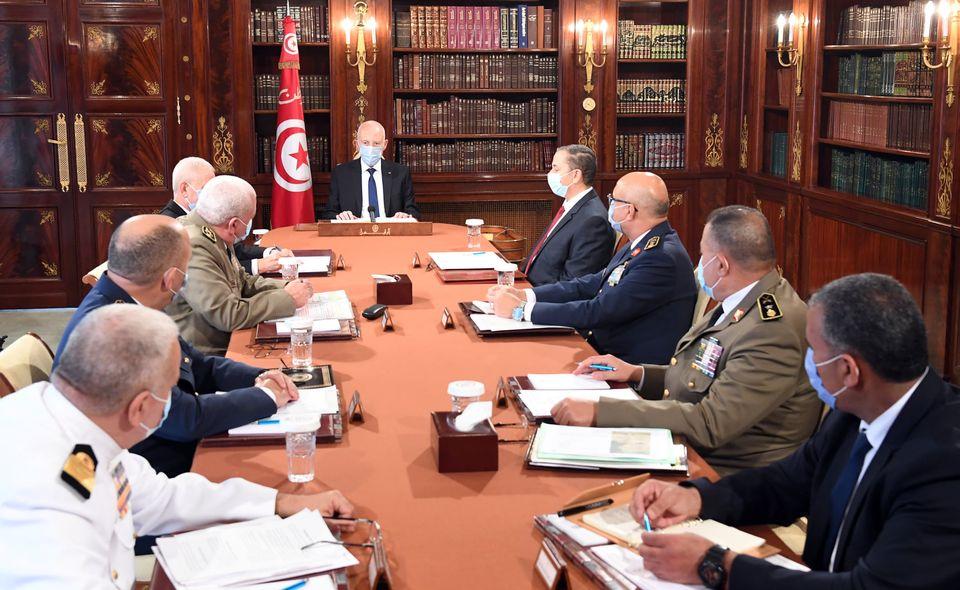 الرئيس التونسى يثمن دور المؤسسة العسكرية الأمنى والتنموي
