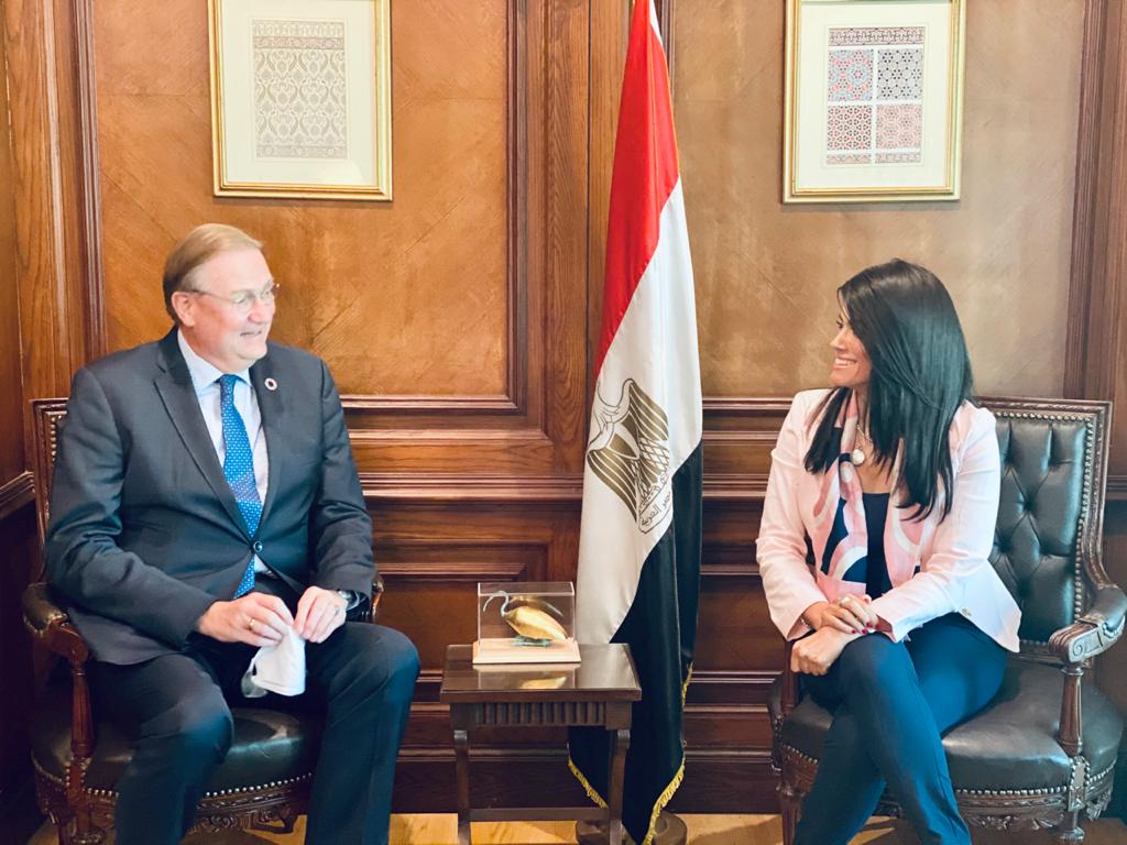 صور   رانيا المشاط تبحث تعزيز التعاون مع المنسق المقيم للأمم المتحدة في مصر