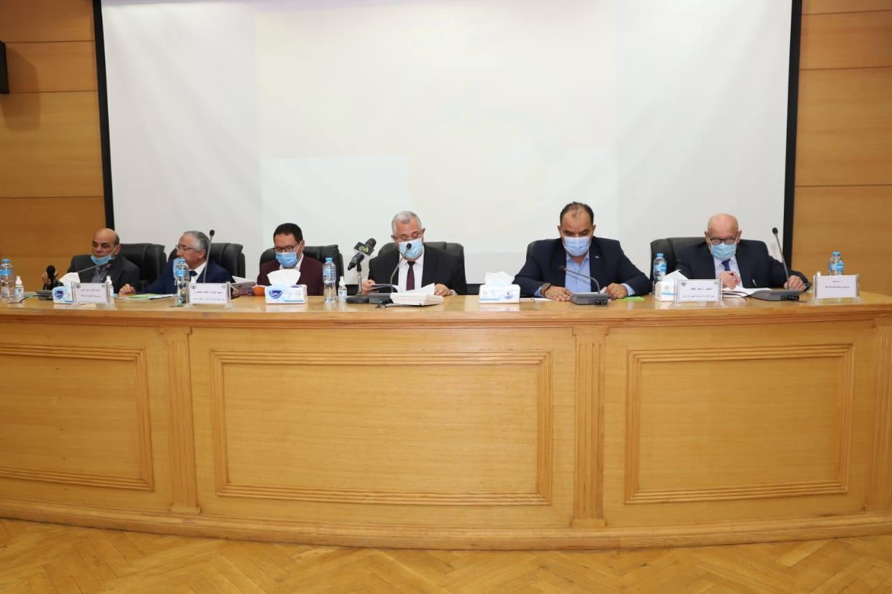 الهيئة الوطنية للانتخابات تعلن الإعادة فى 6 دوائر بمحافظة القاهرة