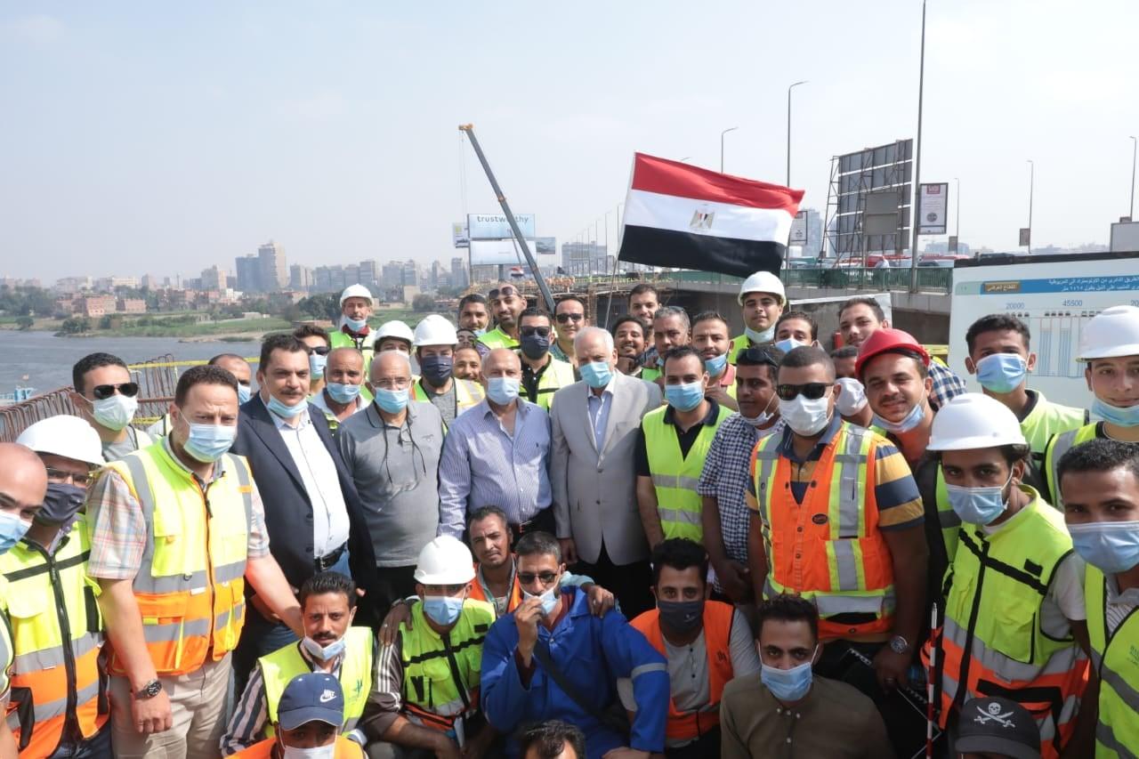 صور | وزير النقل يتابع أعمال نقل المرافق وتطوير وصيانة الطريق الدائري