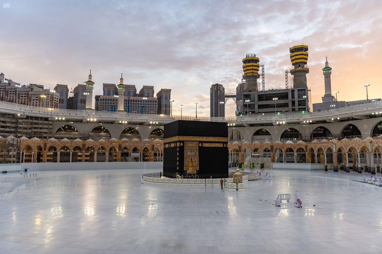 صور  | المسجد الحرام يستقبل أول أفواج المعتمرين غداً وسط ضوابط احترازية خشية تفشى كورونا