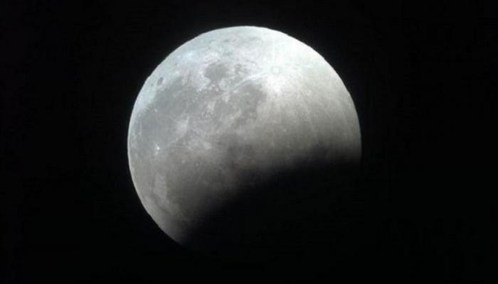 11 ظاهرة فلكية في نوفمبر أبرزها خسوف شبه ظلي للقمر