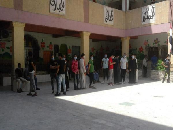 تزايد الإقبال على اللجان الانتخابية بالعجوزة في أول أيام التصويت بانتخابات مجلس النواب