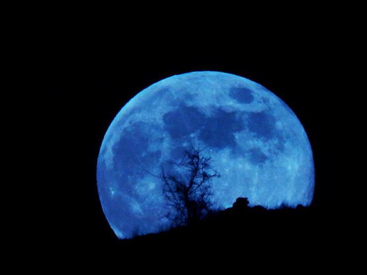 """""""القمر الأزرق """" و""""أورانوس"""" يزينان السماء ليلة """"الهالوين"""" السبت المقبل"""