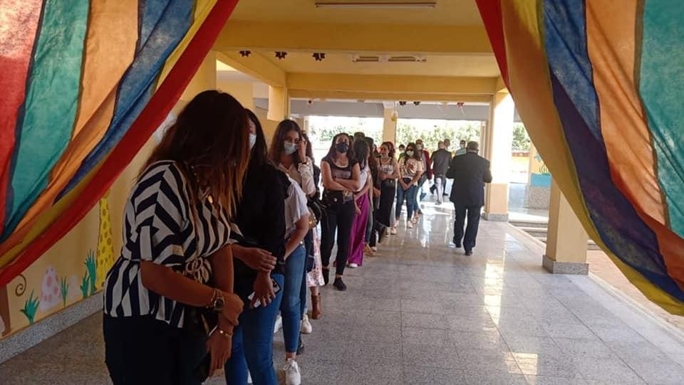 إقبال كبير أمام لجان التصويت بانتخابات البرلمان في الشيخ زايد