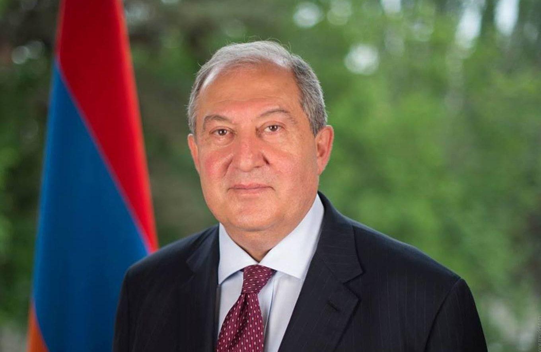 الرئيس الأرمني  يدعو لانتخابات مبكرة وتسليم الحكم لحكومة وفاق وطنى