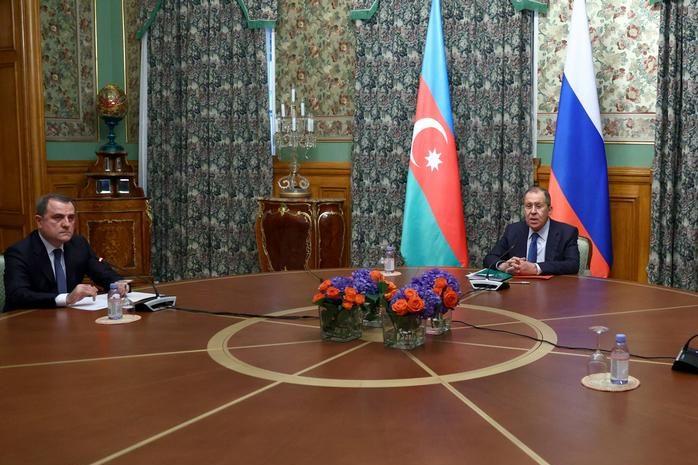 وزير خارجية أرمينيا يبحث من نظيره الروسى الوضع فى منطقة كاراباخ