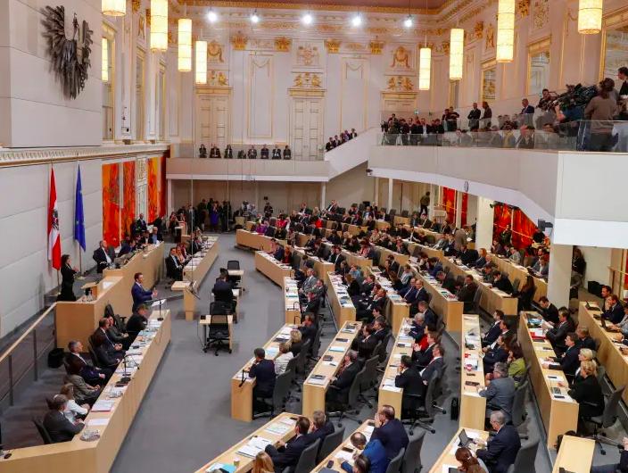 البرلمان النمساوي يبحث تداعيات جائحة كورونا على اقتصاد البلاد
