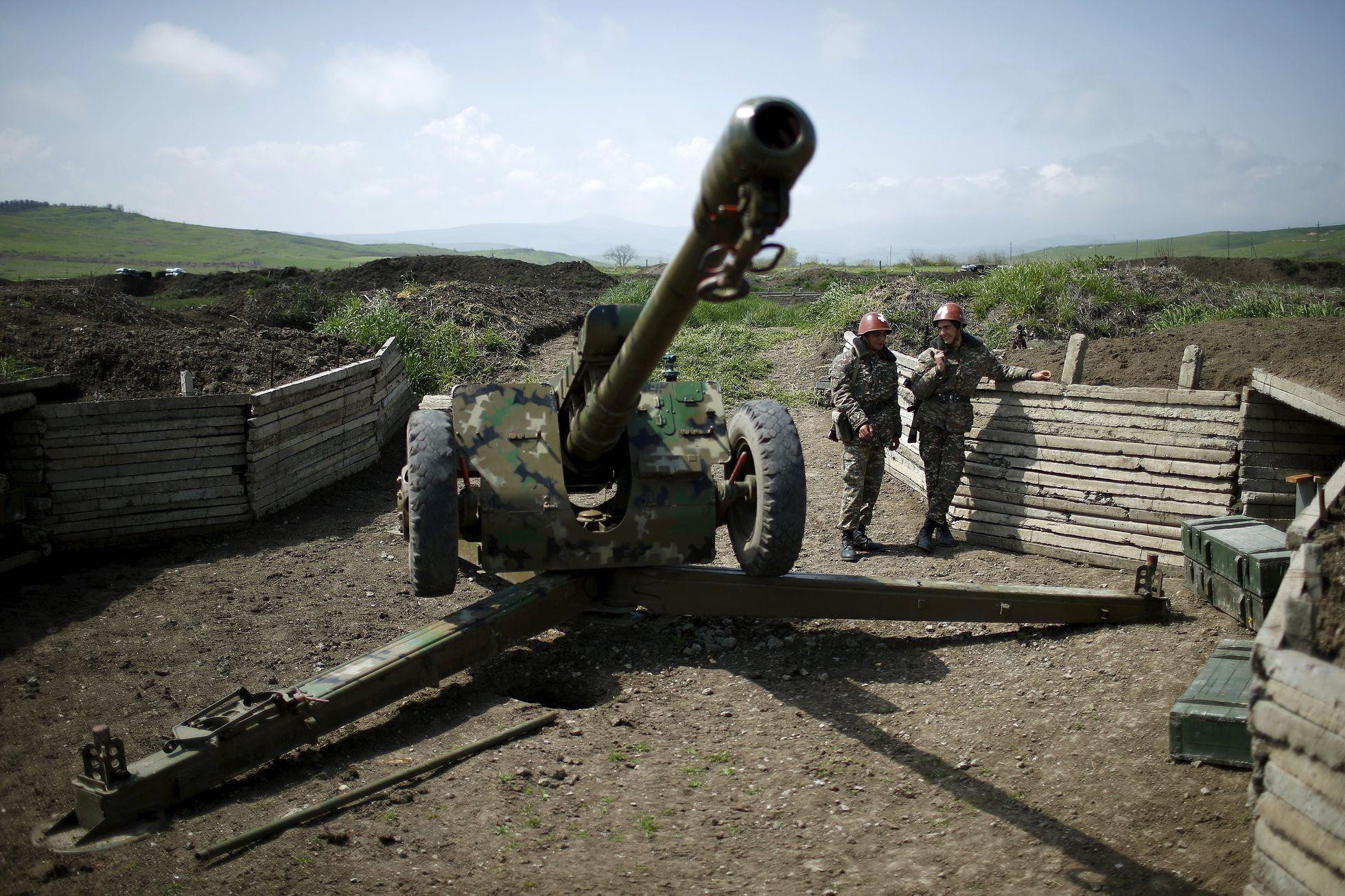 اختراق الهدنة بين أرمينيا وأذربيجان واشتباكات عنيفة فى جنوب قره باغ
