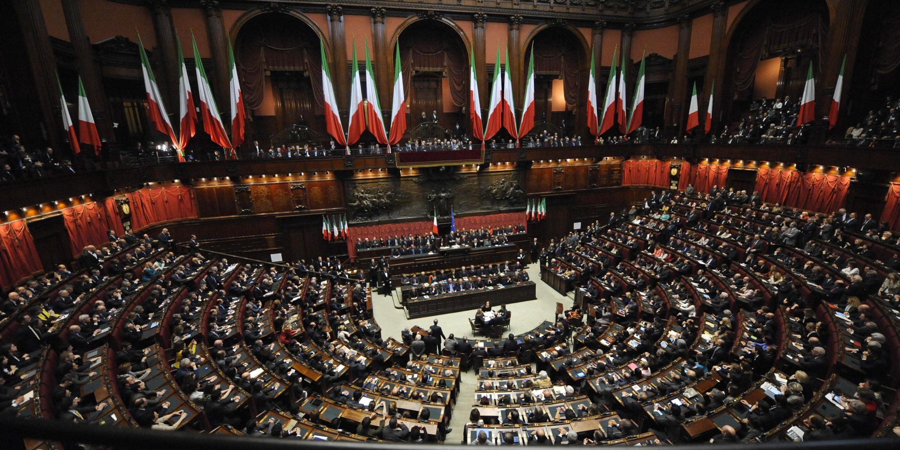 البرلمان الإيطالي يصادق على تمديد الطوارئ الصحية حتى يناير القادم