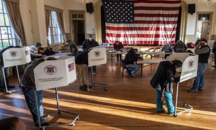 بدء فرز أصوات الناخبين في التصويت المبكر بالانتخابات الأمريكية في بعض الولايات