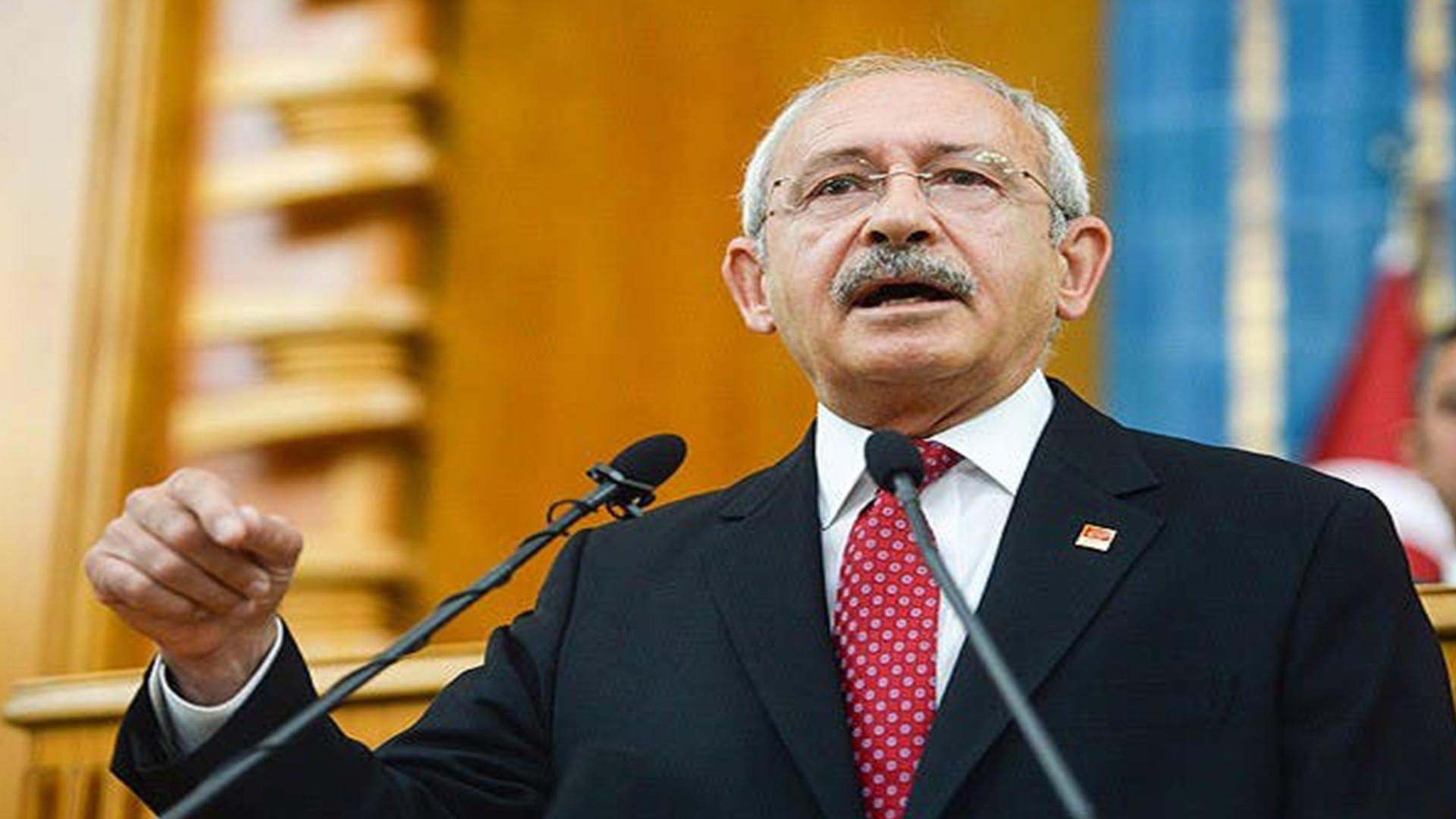 أوغلو ينتقد أردوغان: تذهب لشمال قبرص بـ6 طائرات وشعبنا يأكل من بقايا الأسواق