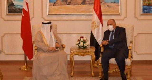 شكرى يستقبل نظيره البحريني ويؤكد دعم مصر لأمن واستقرار الخليج العربى