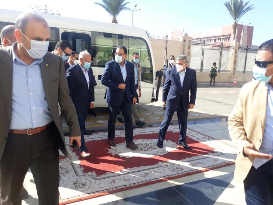 مدبولي يبدأ زيارة لبورسعيد لمتابعة تنفيذ المشروعات التنموية والخدمية