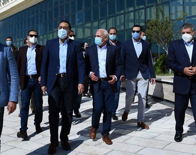 رئيس الوزراء يتابع موقف التصالح في مخالفات البناء ببورسعيد
