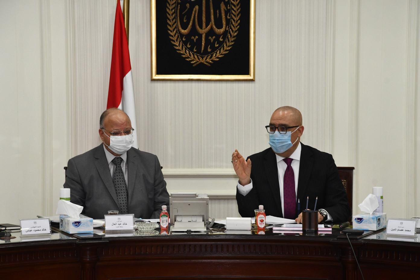 صور | وزير الإسكان ومحافظ القاهرة يتابعان الموقف التنفيذى لمشروعات التطوير