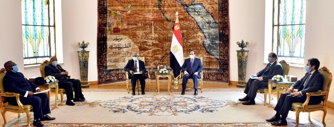 السيسي يستقبل رئيس ناميبيا الأسبق ويهنئه بجائزة كيميت بطرس غالي للسلام