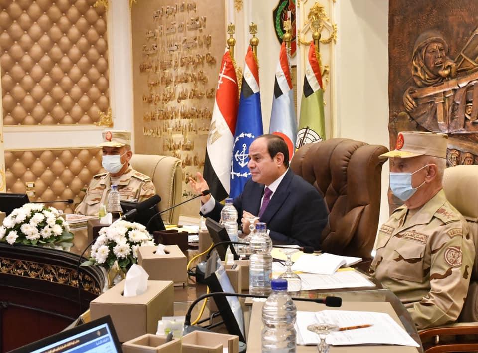 تفقُد الرئيس السيسي لمقر الكلية الحربية يتصدر اهتمامات صحف القاهرة