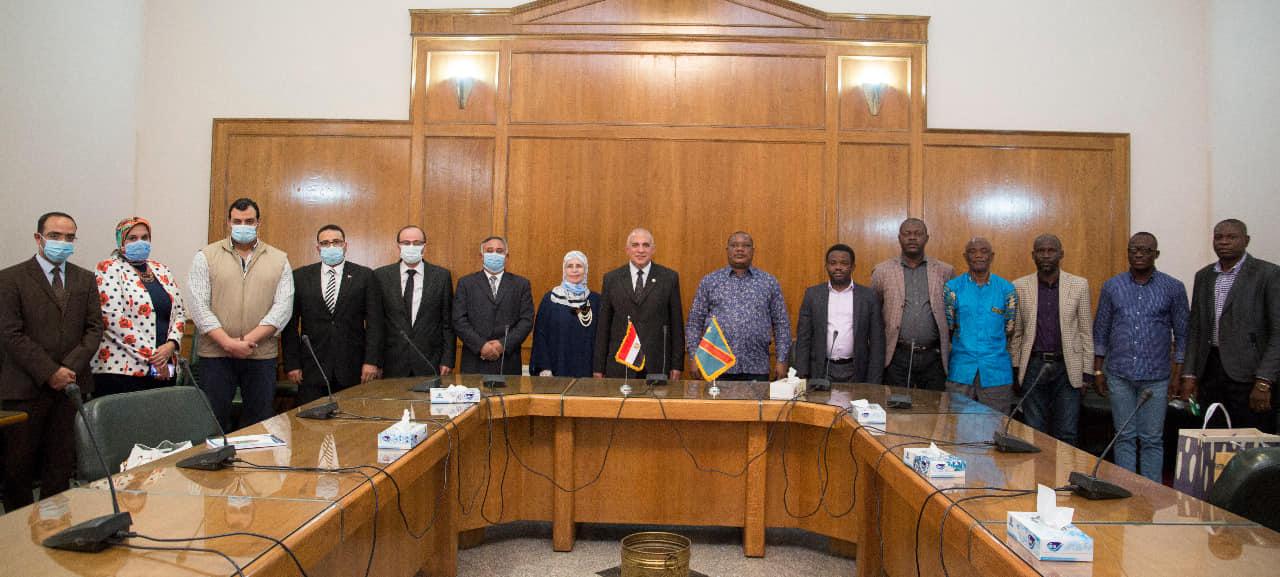 صور   وزير الرى يعقد جلسة ختامية مع وزير البيئة والتنمية المستدامة الكونغولى