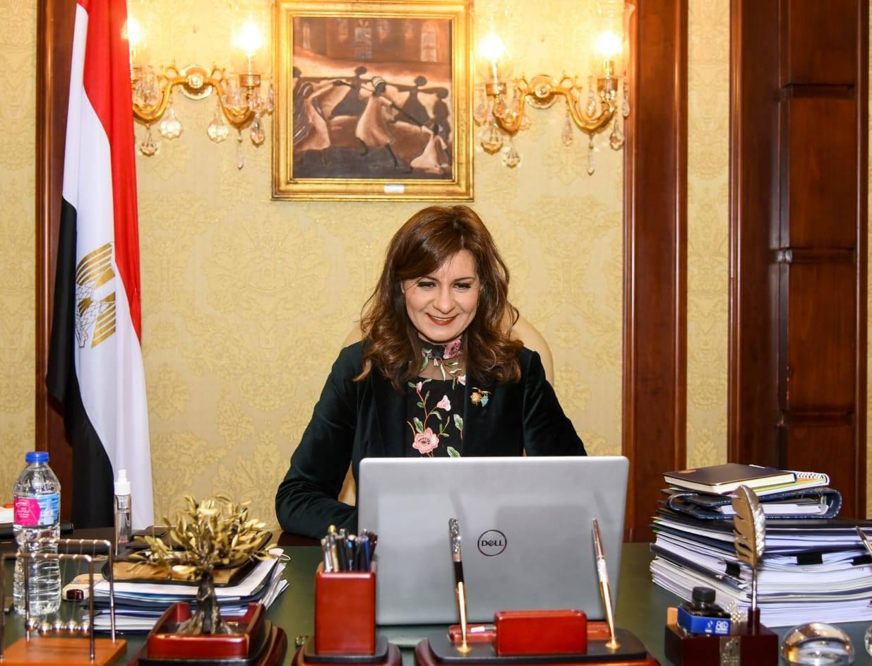 وزيرة الهجرة تعلن موقف المصريين العالقين في الكويت