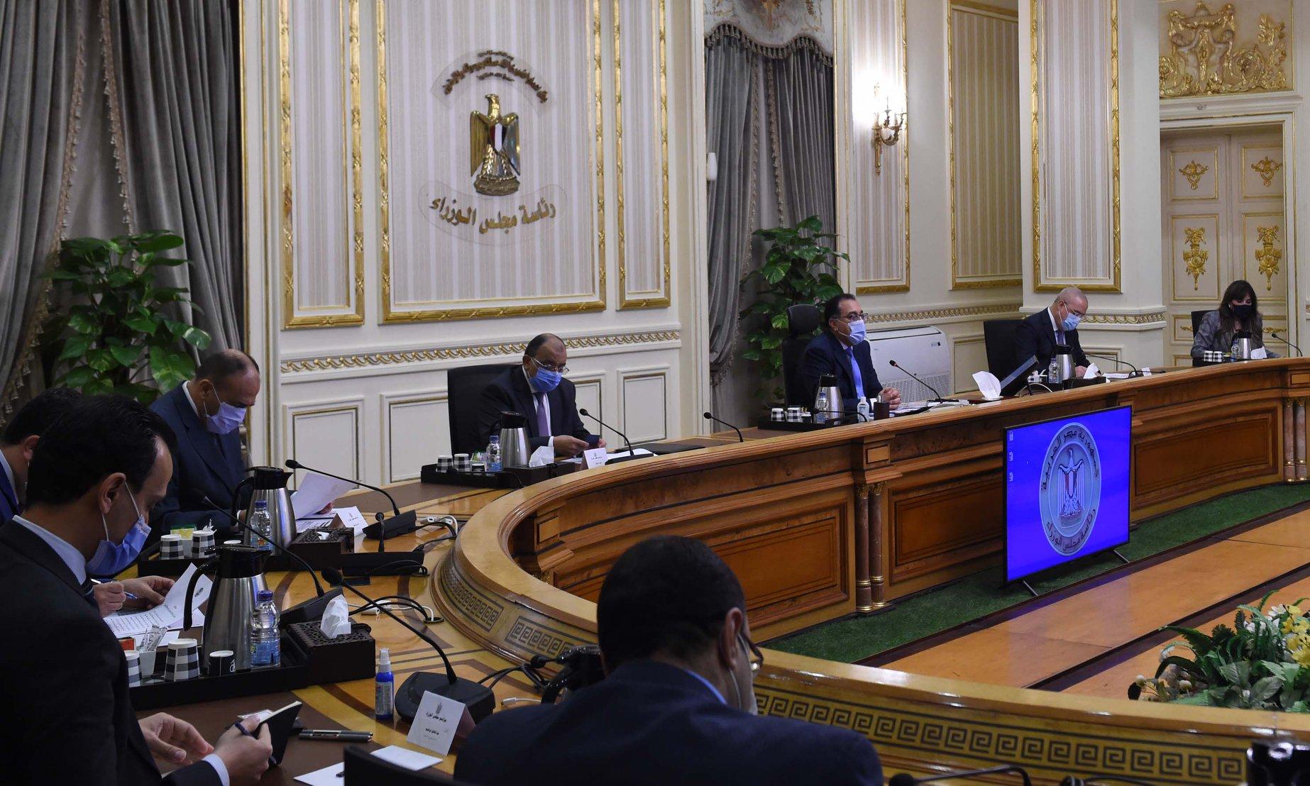 رئيس الوزراء يتابع تنفيذ التكليف الرئاسى بإنشاء مجمع للخدمات الحكومية بكل محافظة