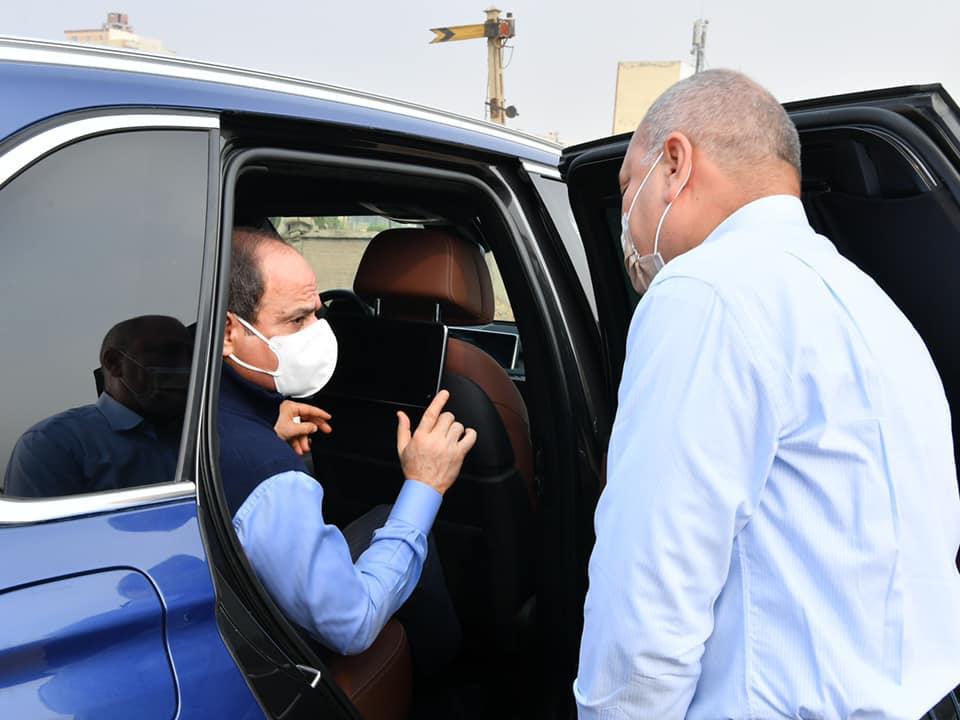 """الرئيس السيسي يتفقد مشروعات تطوير الطرق بالقاهرة ويوجه بانشاء """"اهالينا 3"""""""