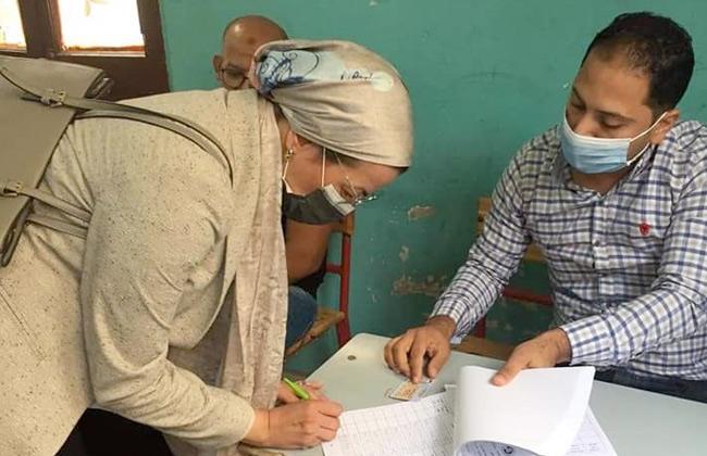 صور | وزيرة البيئة تدلي بصوتها في الانتخابات وتناشد المواطنين بالمشاركة