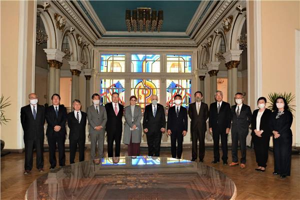 وزير التعليم يلتقي الخبراء اليابانيين لتطبيق «التوكاتسو» داخل المدارس