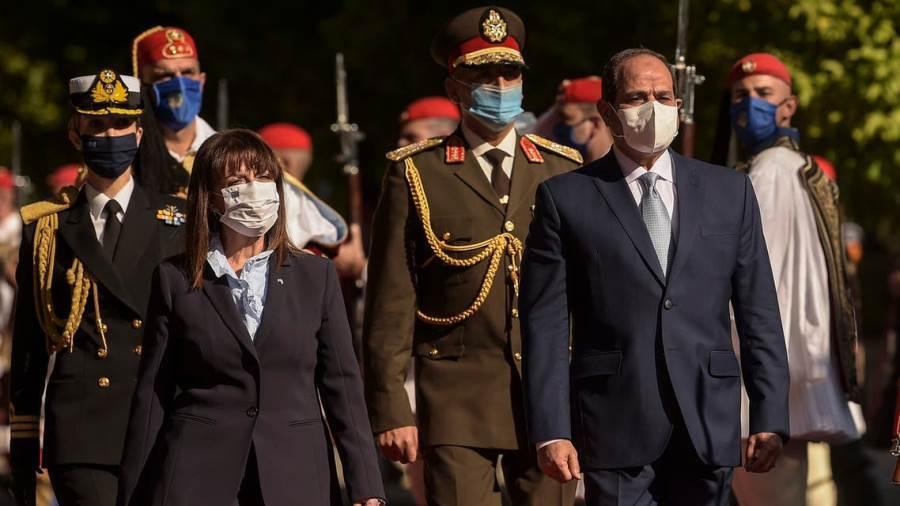 رئيسة اليونان تقلد السيسى أعلى وأقدم وسام والسيسي يمنحها قلادة النيل العظمى