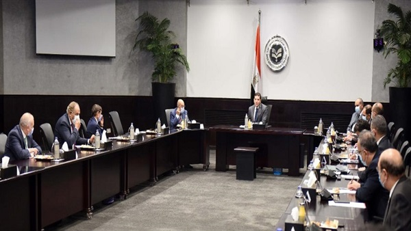 رئيس هيئة الاستثمار يلتقي ممثلي كبرى مكاتب الاستشارات والخبرة المالية