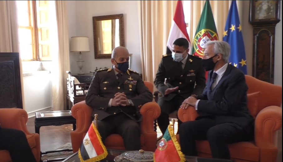 فيديو | وزير الدفاع يعود إلى أرض الوطن عقب زيارة رسمية إلى البرتغال