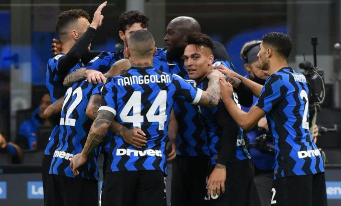 إنتر يقلب تأخره لفوز كبير على تورينو في الدوري الإيطالي