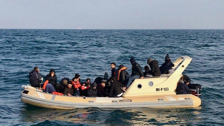 مصرع نحو 100 مهاجر غير شرعى جراء تحطم قاربين قبالة السواحل الليبية