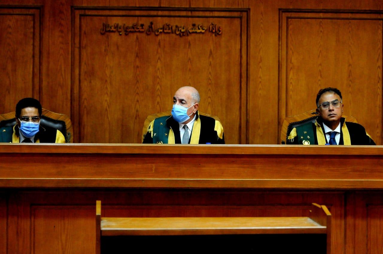 صور | تأجيل محاكمة 3 متهمين بقتل فتاة المعادى لجلسة 25 نوفمبر