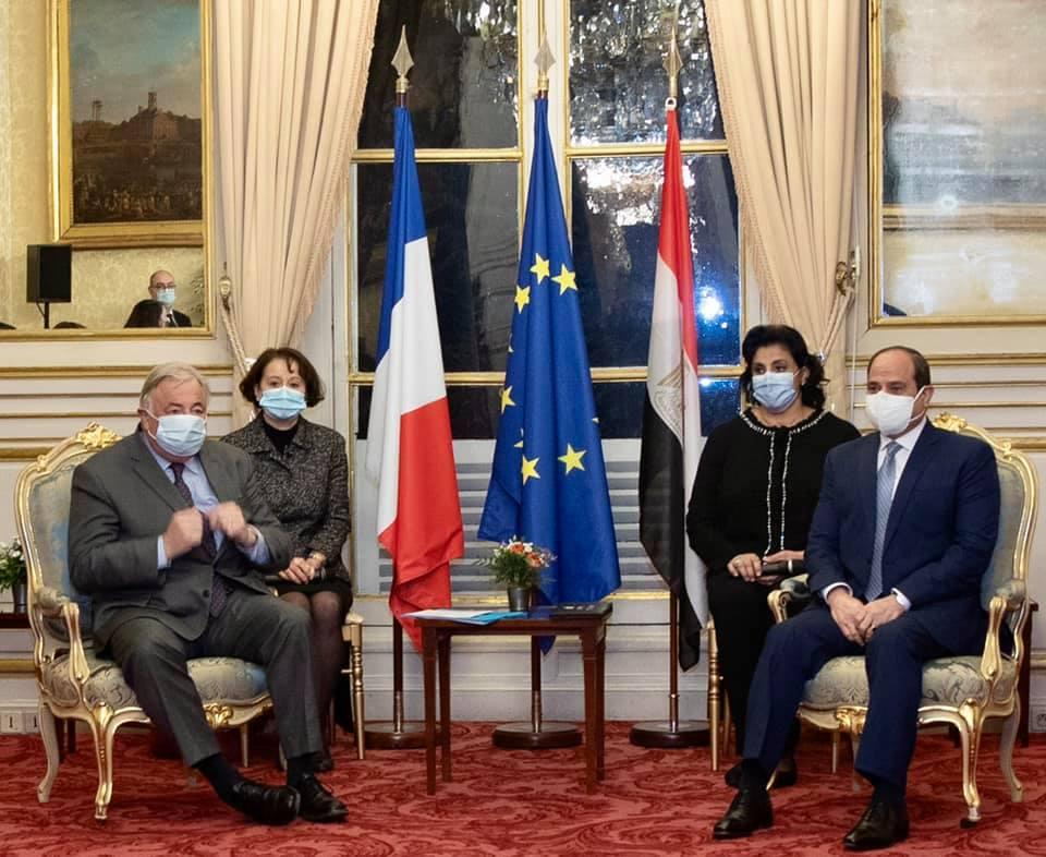صور| الرئيس السيسي يلتقي رئيس مجلس الشيوخ الفرنسي