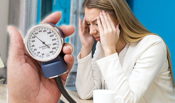 تعرف على أعراض انخفاض ضغط الدم