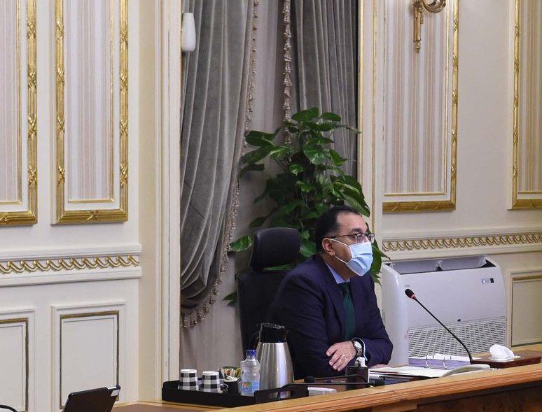 الحكومة تفوض وزيرى المالية والصحة بالتعاقد على 20 مليون جرعة لقاح لكورونا