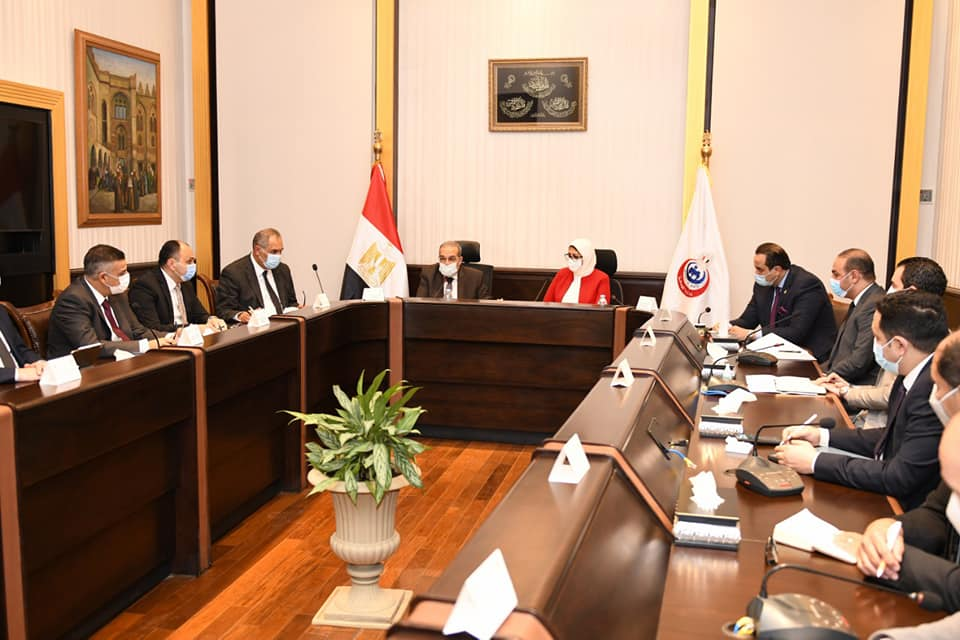 صور   وزيرا الصحة والإنتاج الحربى يتابعان تنفيذ ميكنة منظومة التأمين الصحى الشامل