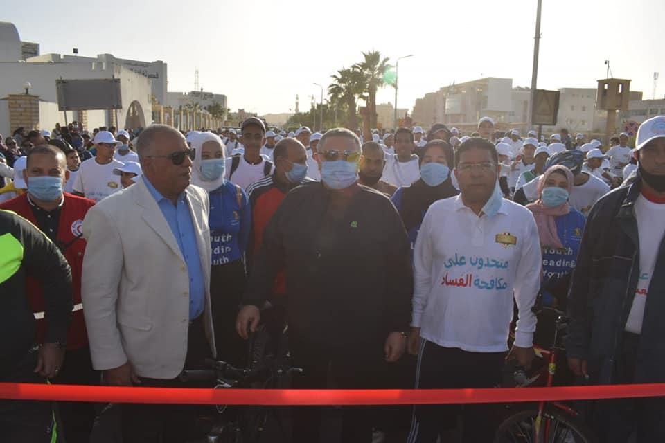 محافظة البحر الأحمر تحتفي باليوم العالمي لمكافحة الفساد بماراثون دراجات بالتنسيق مع الرقابة الإدارية