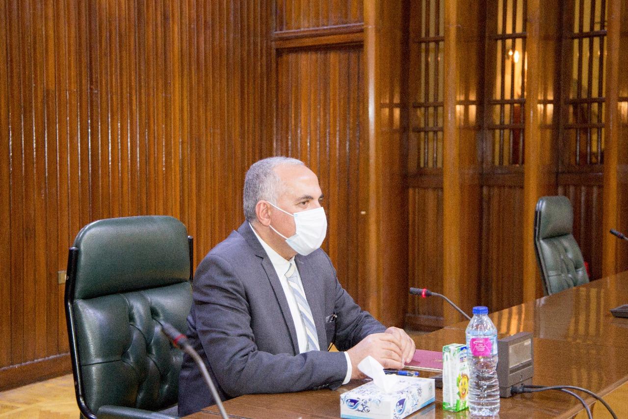 صور | وزير الري يتعهد بمواصلة إزالة تعديات نهر النيل وإحالة المخالفين للمحاكم العسكرية