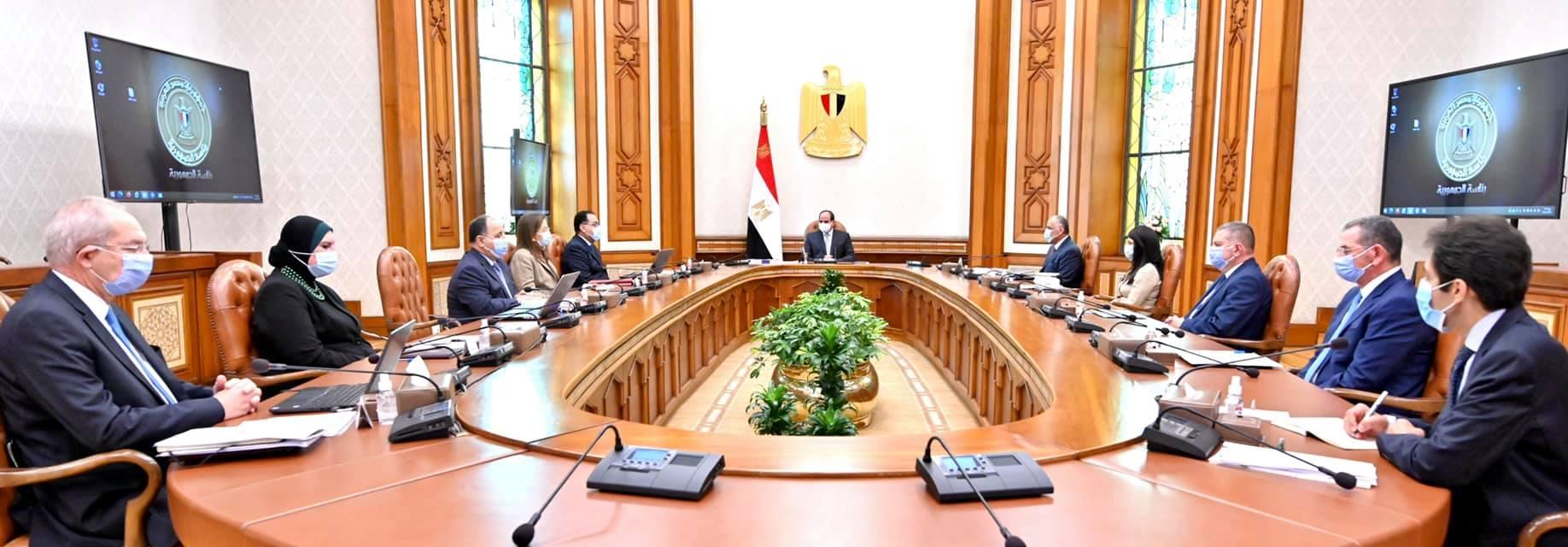 الرئيس السيسي يتابع الأهداف الإستراتيجية للمنطقة الاقتصادية لقناة السويس
