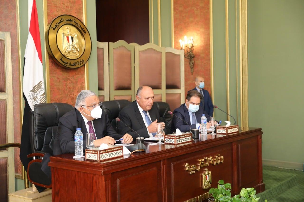صور | وزير الخارجية يؤكد التزام الدولة المصرية بالعمل على حماية وتعزيز حقوق الإنسان