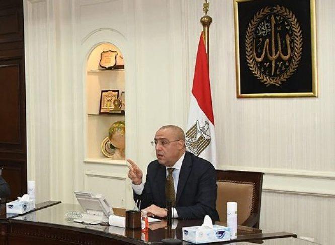 وزير الإسكان: تنفيذ 53 دورا بالبرج الأيقونى.. والانتهاء من الهيكل الخرسانى بالعاصمة الإدارية