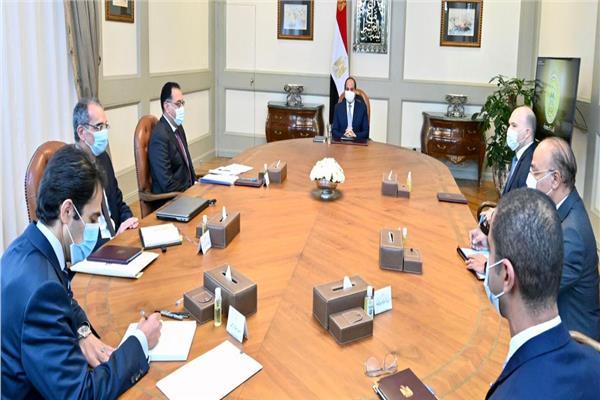 الرئيس السيسي يستقبل رئيس مجموعة «فودافون» العالمية لبحث سبل التعاون المشترك