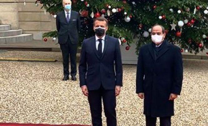 فيديو| ماكرون يستقبل الرئيس السيسي بقصر الإليزيه