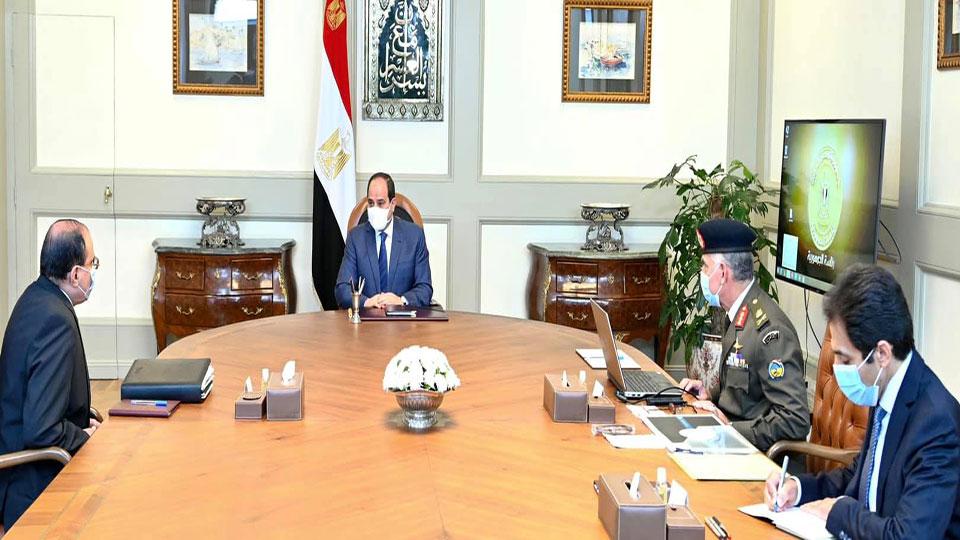 الرئيس السيسي يتابع انشاء مراكز الخدمات المتكاملة لشبكة الطرق والمحاور