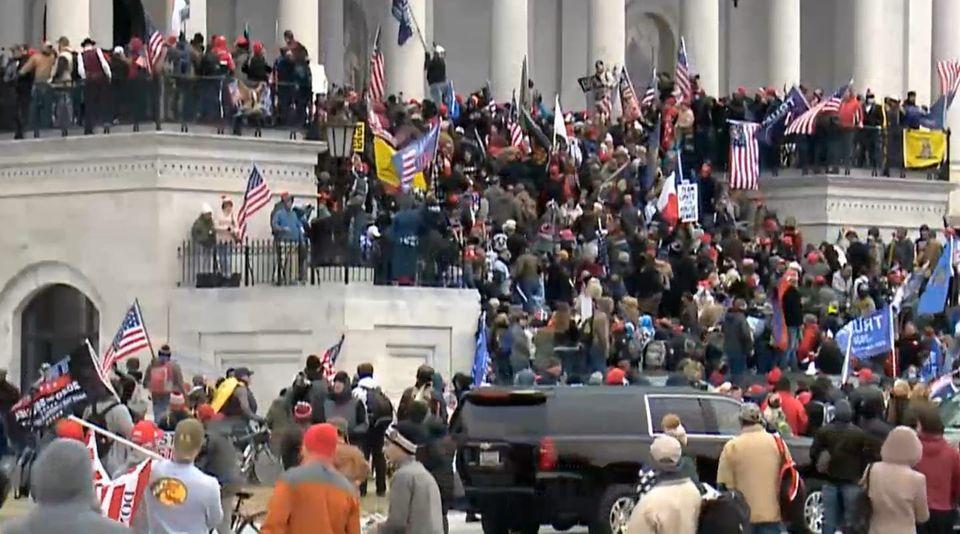 استقالة نائب مستشار الأمن القومى الأمريكى احتجاجا على اقتحام مبنى الكونجرس