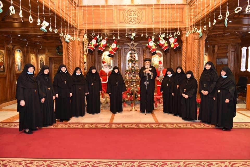 صور  البابا تواضروس يستقبل رئيسات أديرة الراهبات للتهنئة بعيد الميلاد