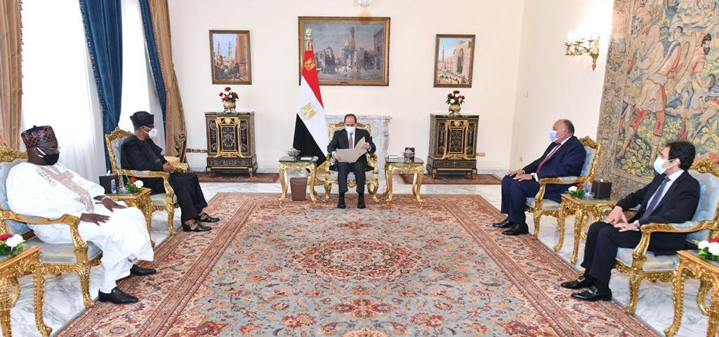 نشاط الرئيس السيسي وأخبار الشأن المحلي يتصدران اهتمامات وعناوين صحف اليوم